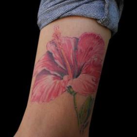 Tatuaje Flor Lilium