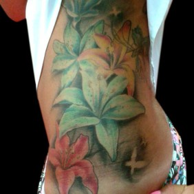 Tatuaje Flores Lirios