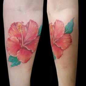 Tatuaje Flor Hibisco