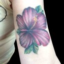 Tatuaje Flor Hawaiana