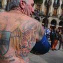 Un equipo de fooball paga la eliminación de los tatuajes de sus fans!!!