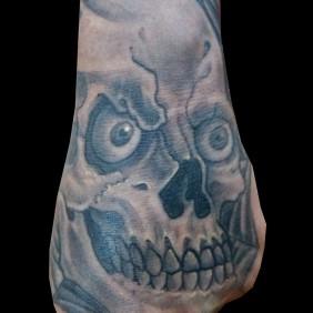 Tatuaje Calavera Mano