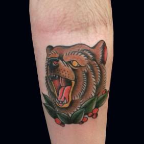 Tatuaje Oso Tradicional