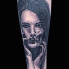 Tatuaje Mujer Calavera