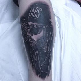 Tatuaje retrato Swan Fyahbwoy